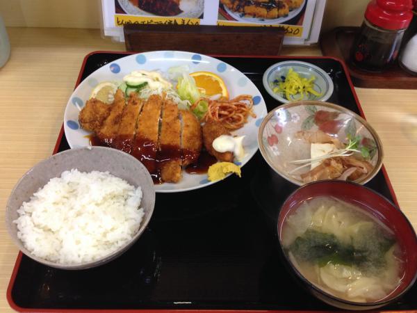 とんかつカキフライ定食4