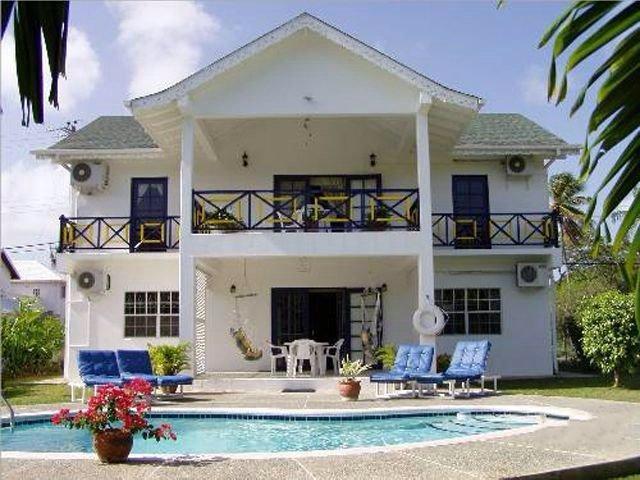 ドバゴ共和国 の住宅