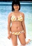河合奈保子 セクシー ローレグビキニ水着 巨乳おっぱいの谷間 ムチムチ おへそ 1980年代アイドル 高画質エロかわいい画像7