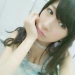 AKB48 石田晴香 セクシー 胸チラ おっぱいの谷間 自撮り 顔アップ 頬杖 高画質エロかわいい画像40