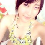 元AKB48 仁藤萌乃 セクシー 胸チラ おっぱいの谷間 ビキニ水着 自撮り カメラ目線 脇 高画質エロかわいい画像12