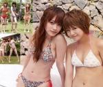 モーニング娘。 高橋愛 新垣里沙 セクシー ビキニ水着 おっぱいの谷間 おへそ カメラ目線 ショートヘア 誘惑 高画質エロかわいい画像9