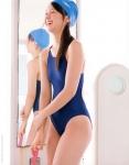 小池里奈 セクシー 競泳水着 太もも 笑顔 高画質エロかわいい画像9