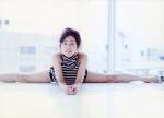 木村多江 セクシー 開脚 軟体 女優 美人 カメラ目線 誘惑 太もも 高画質エロかわいい画像7