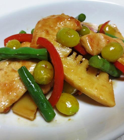 鶏胸肉と銀杏の炒め 拡大