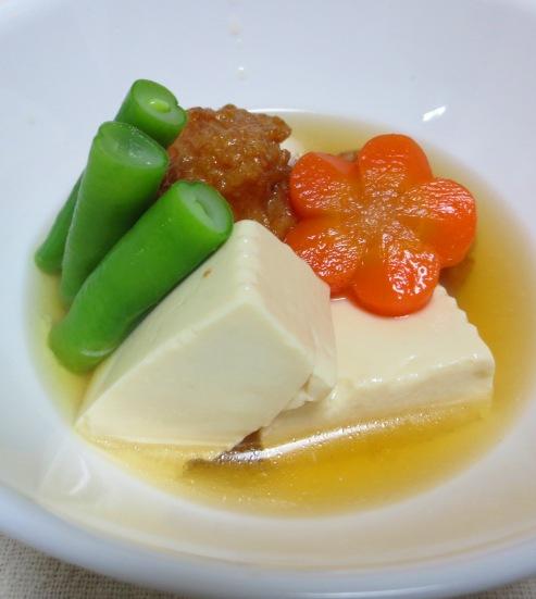 豆腐と練り物の炊いたん B