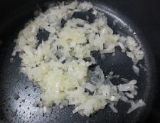豚ヒレのアーモンド焼き トマトソース調理①