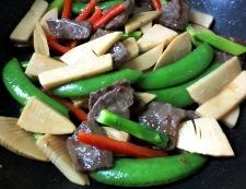 牛肉と春野菜のオイスターソース炒め 調理③