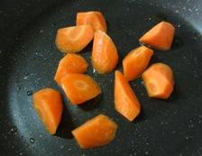 春野菜とソーセージのスープ煮 調理①