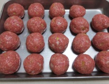 肉団子と白菜の中華風煮込み 【下準備】②