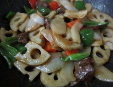 牛肉とレンコンの唐辛子炒め 調理⑥