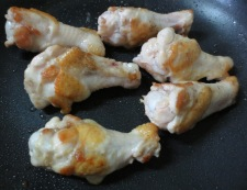 鶏手羽元のカレーミルク煮 調理①