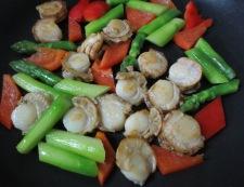 アスパラと炒り卵のペパーソテー 調理③