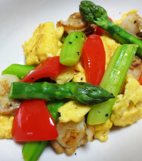 アスパラと炒り卵のペパーソテー B