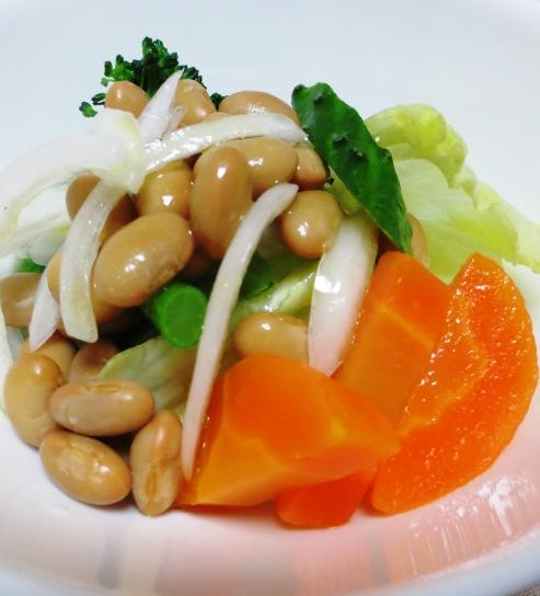 新玉ねぎと蒸し大豆のサラダ B