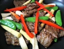 牛肉とスナップエンドウのオイスターソース炒め 調理④