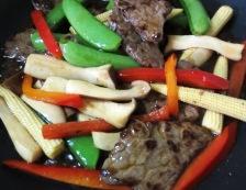 牛肉とスナップエンドウのオイスターソース炒め 調理⑤
