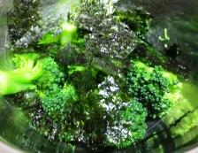 ブロッコリーの韓国海苔和え 調理