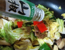 豚肉とキャベツの麺つゆ山椒炒め 調理②