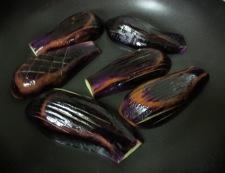 茄子とがんもどきの炊き合わせ 調理①