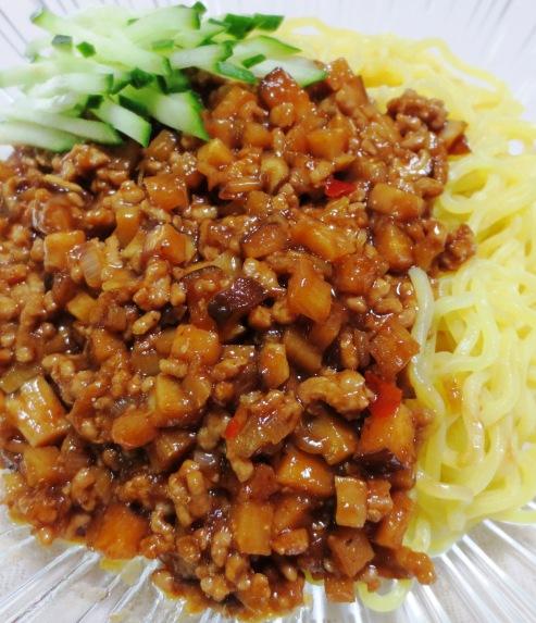 ジャージャー麺 拡大
