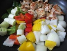 鶏肉とくるみのピリ辛炒め 調理③