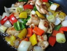 鶏肉とくるみのピリ辛炒め 調理④