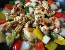 鶏肉とくるみのピリ辛炒め 調理⑤