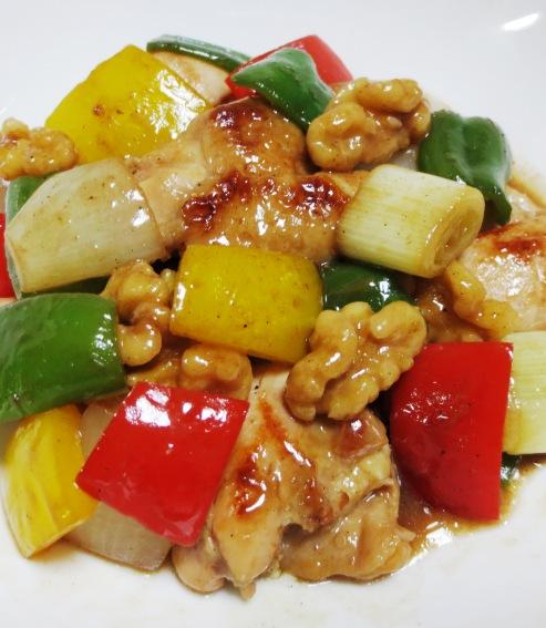 鶏肉とくるみのピリ辛炒め B