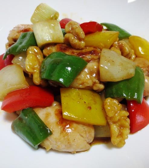 鶏肉とくるみのピリ辛炒め 拡大