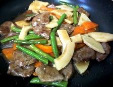 牛肉と エリンギの五香粉炒め 調理⑤
