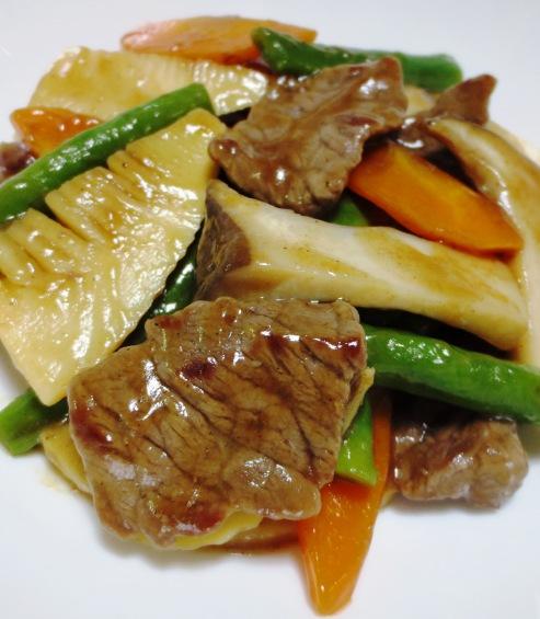 牛肉とエリンギの五香粉炒め 大