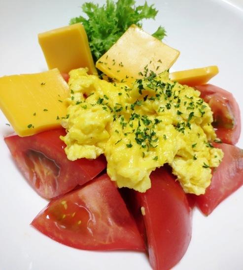 5分でできる炒り卵トマト 大