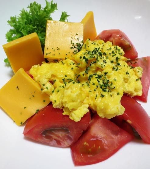 5分でできる炒り卵トマト B