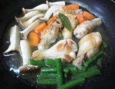 手羽元とエリンギのチリパウダー煮 調理④