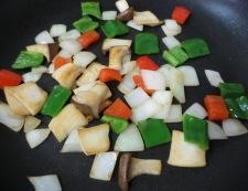 ツナコーンのピリ辛炒め 調理②