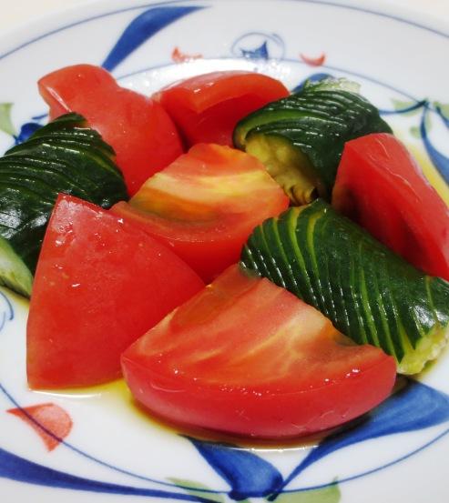 蛇腹きゅうりトマト B