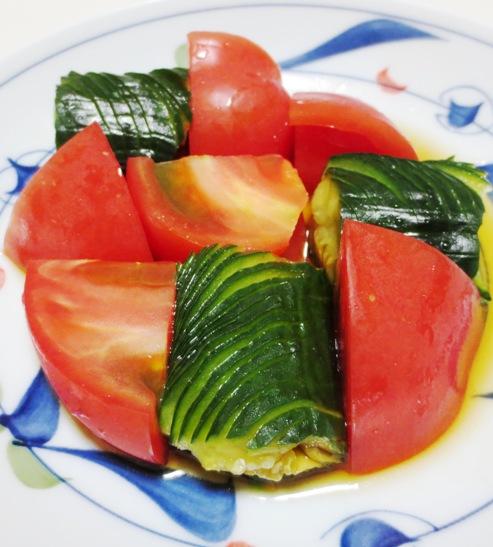 蛇腹きゅうりトマト 大