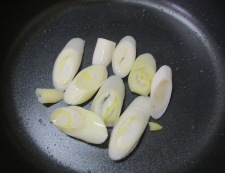 イカ缶のすき焼き風 調理①