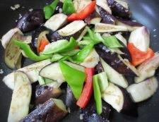ゆで豚と揚げない茄子の回鍋肉 調理③