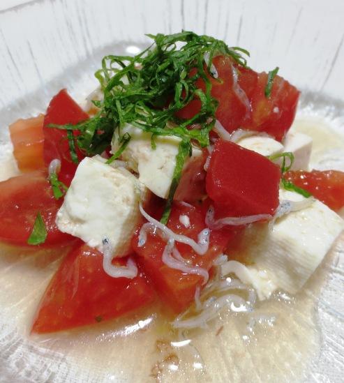 木綿豆腐とトマトの梅じゃこサラダ 大