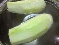 翡翠ナスと枝豆の煮浸し 調理①
