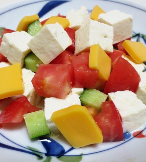 豆腐とチーズのサラダ B