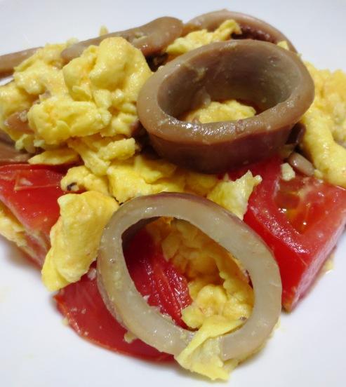 イカ缶とトマトの卵炒め 大