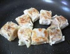チルド焼売とトマトの生姜炒め 調理①