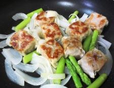 チルド焼売とトマトの生姜炒め 調理②