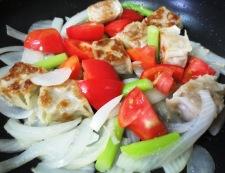 チルド焼売とトマトの生姜炒め 調理③