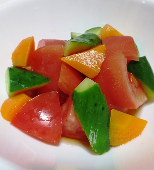 トマトとにんじんのサラダ B