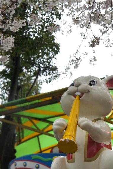 2014上野花見 こども遊園地のうめ様6