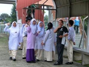 下校途中の少女たち